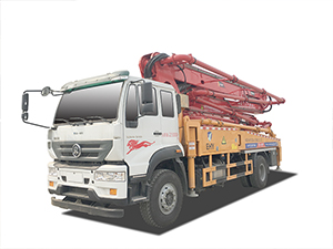 重汽斯太尔35米泵车